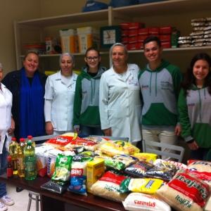 Arrecadação de alimentos que foram doados para Fundação Hospitalar de Rio Negrinho.